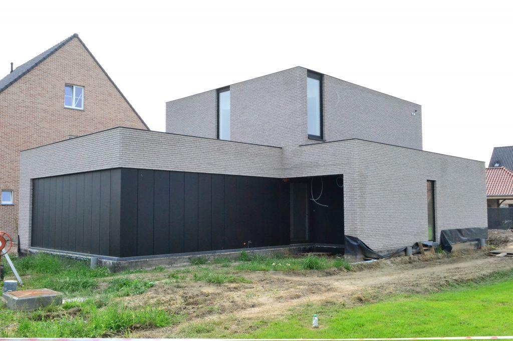 Compacte hedendaagse nulenergiewoning heremans manshoven for Hedendaagse architecten